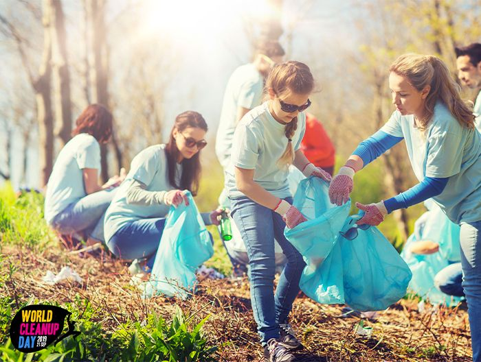 Illustration Centre Services - Le 21 septembre c'est la journée mondiale du nettoyage de notre planète ! 🌍